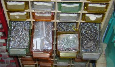 electronique bases rangement composants. Black Bedroom Furniture Sets. Home Design Ideas